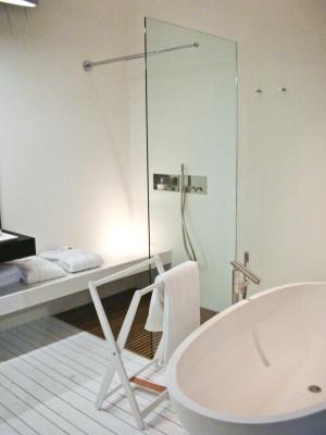 Sprchový kout s lavicí